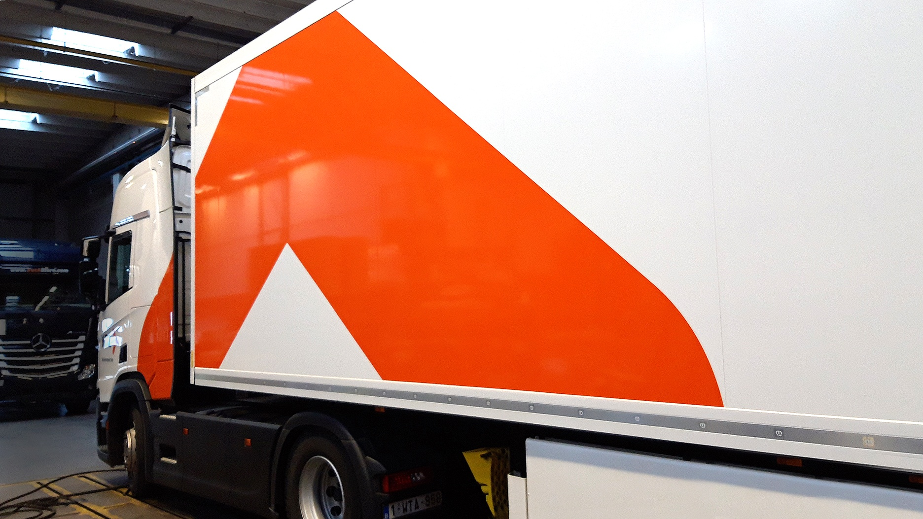 truck vrachtwagen belettering